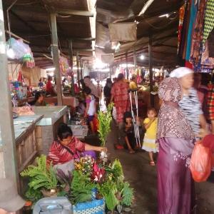 Lorong pasar bagian tengah